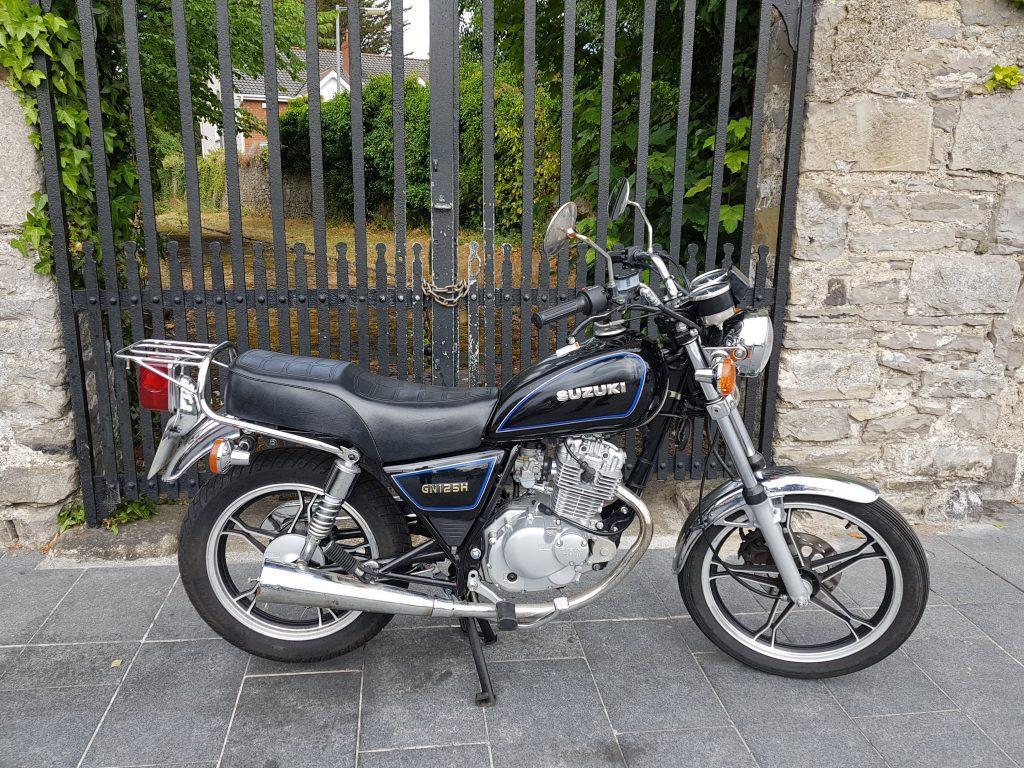 Suzuki Suzuki GN 125 - Moto.ZombDrive.COM